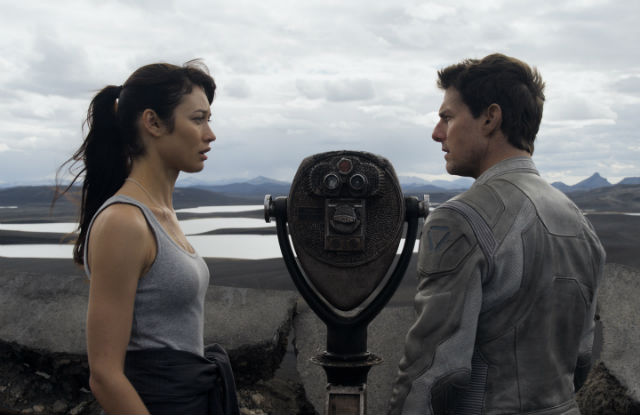 Tom Cruise and Olga Kurylenko in Joseph Kosinski's 'Oblivion' (Universal Pictures)